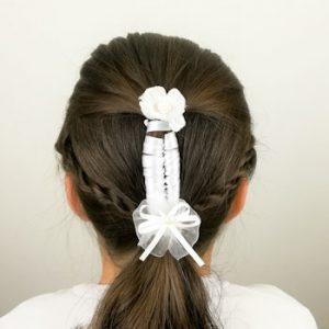 peinado con cinta y trenza de 2 cabos