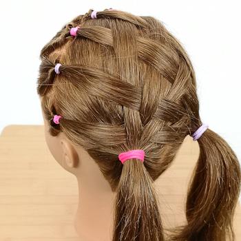 Peinado con ligas y mallado